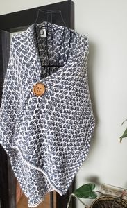 Knit boutique brand wrap with 2 large buttons